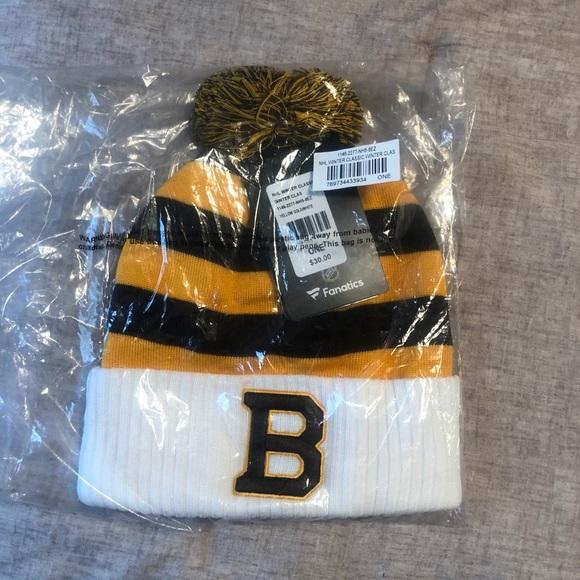 d0401bf90 2019 NHL Winter Classic Knit Hat Beanie NWT